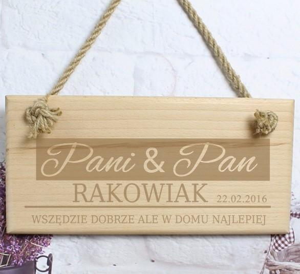 drewniana tabliczka na drzwi