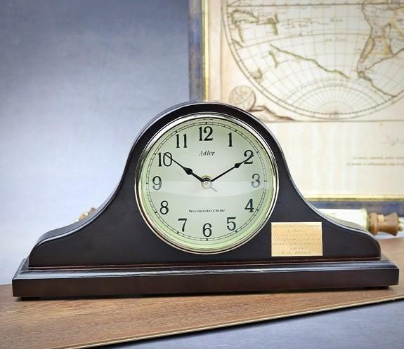 zegar z grawerem dla ksiedza