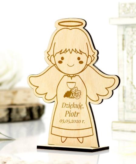 aniołek drewniany grawerowany na podziękowanie dla gości komunijnych