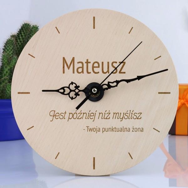 Zegar z grawerem dedykacji na prezent dla niego