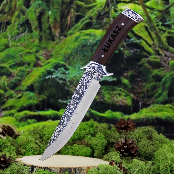 Grawerowany nóż myśliwski na prezent dla niego