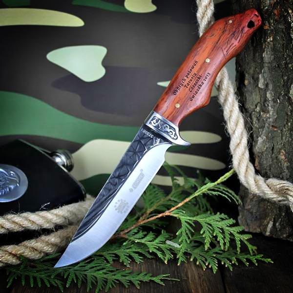 Nóż z grawerem dedykacji na prezent dla myśliwego