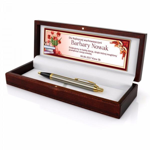 grawerowany długopis w etui z dedykacją na prezent dla nauczyciela