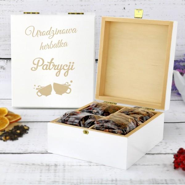 szkatułka na herbatę z personalizacją na prezent na urodziny przyjaciółki