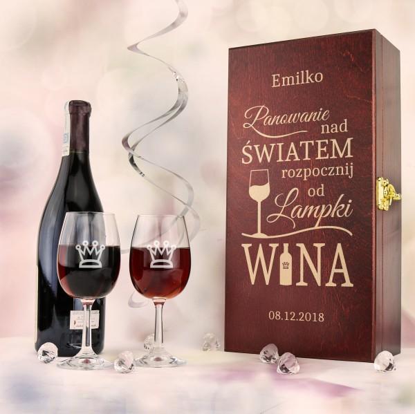 grawerowana skrzynka na wino z kieliszkami na prezent na urodziny przyjaciółki