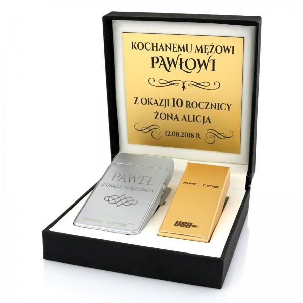 pomysł na prezent dla męża na rocznicę ślubu grawerowana zapalniczka w pudełku z dedykacją