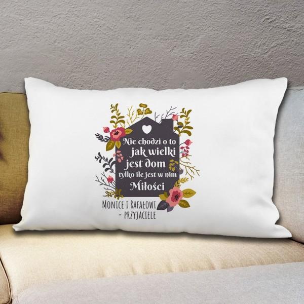 co kupić na parapetówkę dla pary? spersonalizowana poduszka z nadrukiem