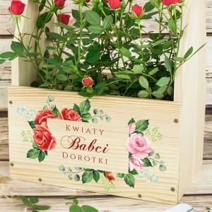 skrzynka na kwiaty z kolorowym nadrukiem personalizacji na prezent dla babci