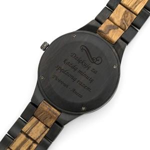 grawer dedykacji na drewnianym zegarku na prezent dla męża na walentynki