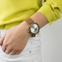 elegancki drewniany zegarek na rękę na prezent dla niej na urodziny