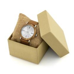 drewniany zegarek na poduszeczce w pudełku prezentowym na prezent dla żony na imieniny