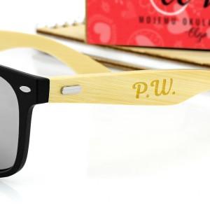 czarne okulary przeciwsłoneczne z grawerem personalizacji na prezent dla męża na walentynki