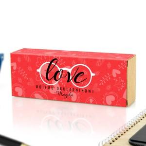 pudełko w obwolucie z nadrukiem dedykacji na prezent dla chłopaka na walentynki