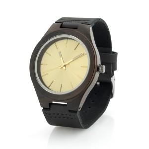 drewnianym zegarku na prezent dla żony na walentynki