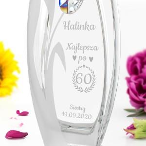 grawer personalizacji na wazonie z kryształem Swarowskiego na prezent na 60 urodziny żony