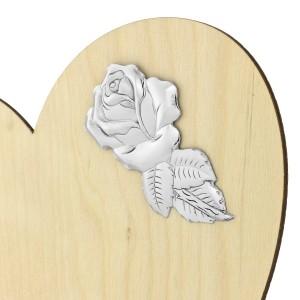 srebrna róża na statuetce serce ze sklejki na prezent dla dziadka i babci