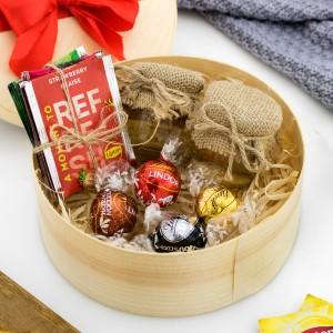 łuba z grawerem i słodkościami na prezent dla dziadka na imieniny