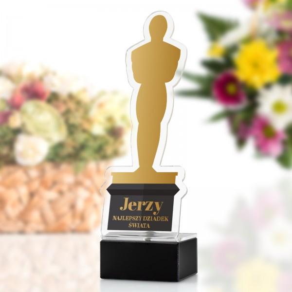 statuetka Oscara z pleksi na postumencie na upominek dla dziadka