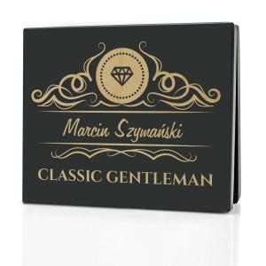 skrzynka z grawerem personalizacji na ekskluzywny zestaw prezentowy dla mężczyzny