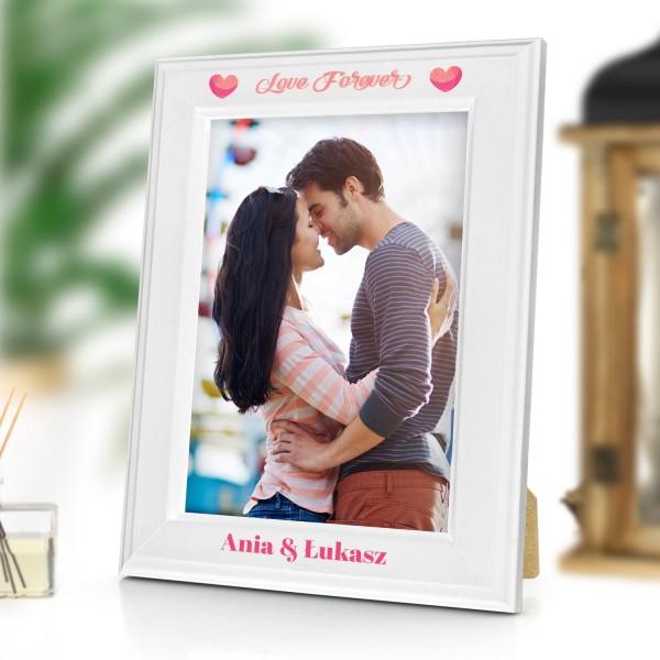 biała ramka z nadrukiem na zdjęcia na upominek dla zakochanych