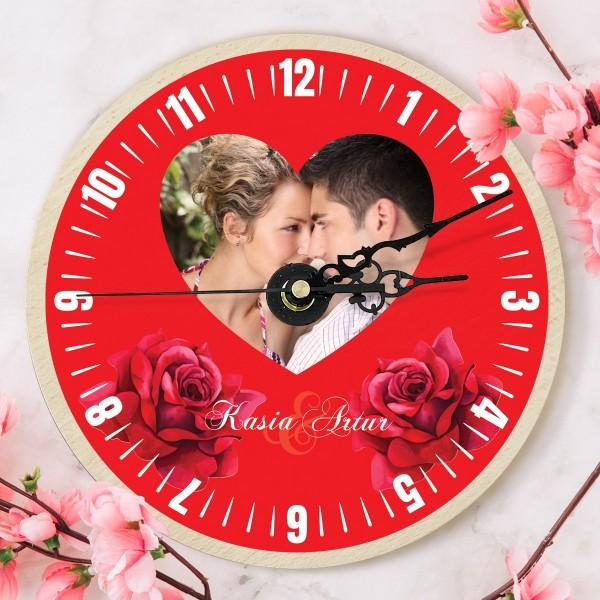 zegar z nadrukiem na upominek walentynkowy dla pary