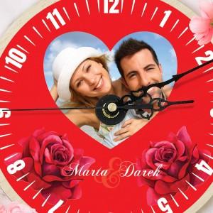 nadruk personalizacji i zdjęcia na zegarze na upominek walentynkowy dla niej