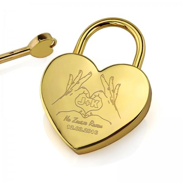 złota kłódka z grawerem i kluczykiem na upominek na walentynki dla pary