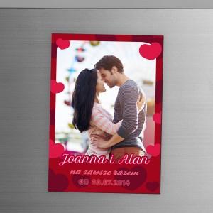 Magnes ze zdjęciem imionami na prezent dla zakochanych