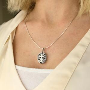grawerowany srebrny sekretnik pr. 925 na prezent dla niej