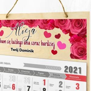 kalendarz drewniany z kolorowym nadrukiem dla niej