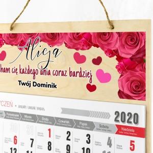 personalizowane kalendarium na drewnie