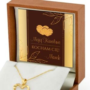 naszyjnik pozłacany w pudełku z nadrukiem życzeń i imiennej dedykacji