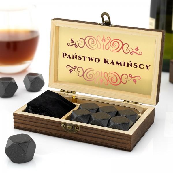 Granitowe kamienie do alkoholi w szkatułce z nadrukiem