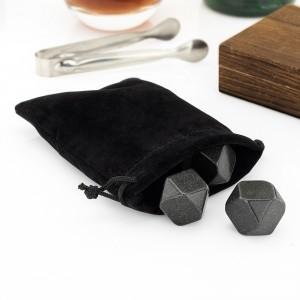 kostki granitowe chłodzące w welurowym woreczku