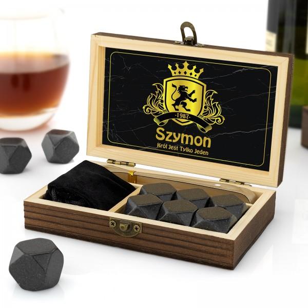 kamienie chłodzące do alkoholi w skrzynce drewnianej z nadrukiem imienia
