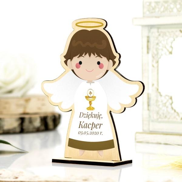 Drewniany aniołek na komunię chłopiec na podziękowanie dla gości komunijnych