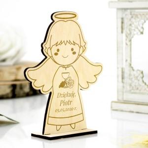 Aniołek drewniany na podziękowanie dla gości komunijnych z grawerem imienia dziecka i daty pierwszej komunii świętej