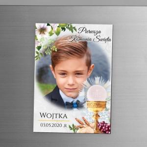 magnes ze zdjęciem dziecka na pamiątkę pierwszej komunii