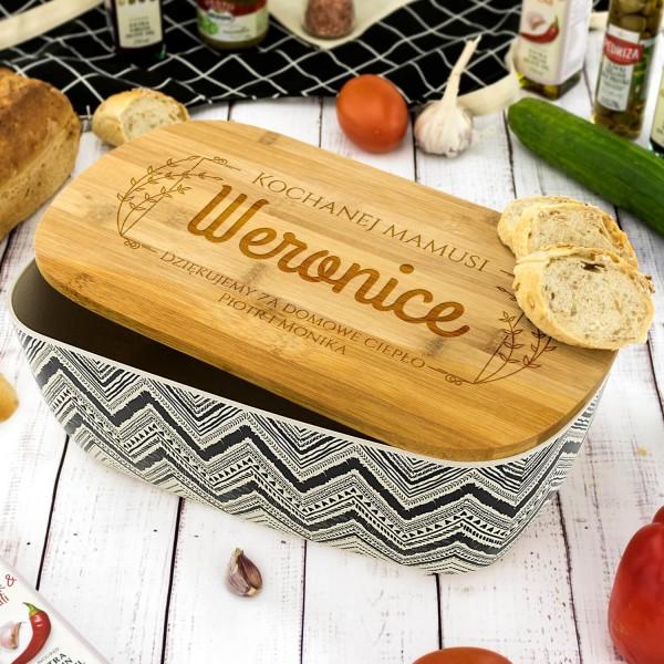 spersonalizowany chlebak dla mamy z bambusową deską do krojenia