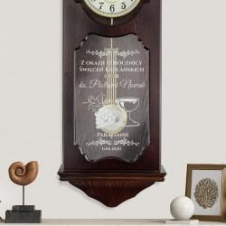 zegar ścienny marki adler  grawerem na prezent na święcenia kapłańskie