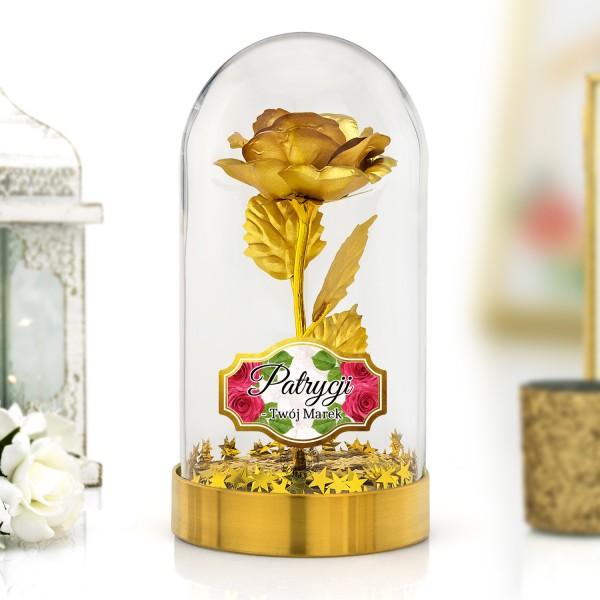 złota róża pod kloszem na prezent dla kobiety