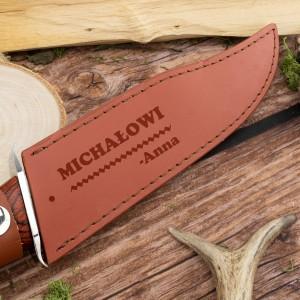 grawer dedykacji na pokrowcu na nóż