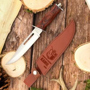 nóż w brązowym etui z grawerem dedykacji na prezent dla myśliwego