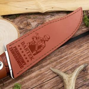 nóż z grawerem imienia na etui na prezent dla żołnierza
