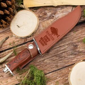 nóż rambo w etui z grawerem na prezent dla wędkarza z imieniem i napisem łowię tylko wielkie sztuki