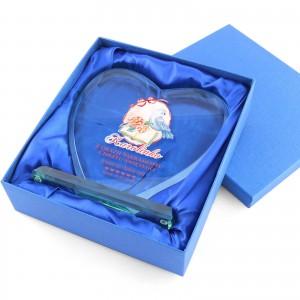 statuetka serce szklane na pamiątkę chrztu dla dziewczynki pakowane w etui