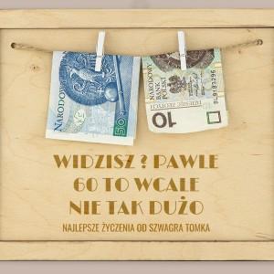drewniana ramka na pieniądze z grawerem na okragłe urodziny