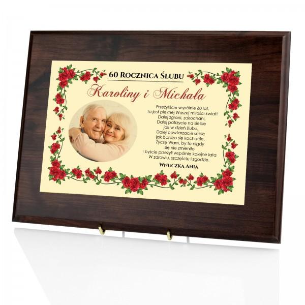 certyfikat w drewnie z nadrukiem zdjęcia i dedykacji na prezent na rocznicę dla dziadków