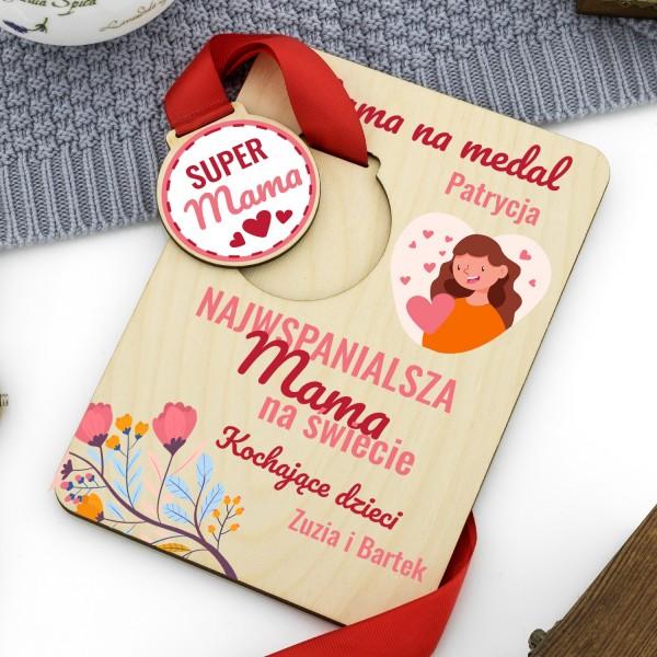tabliczka drewniana z nadrukiem mama na medal