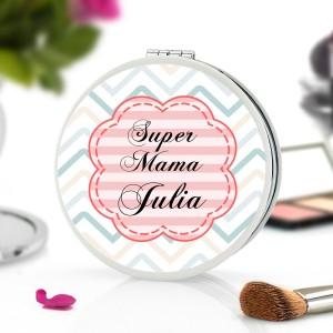lusterko kompaktowe z nadrukiem imienia i napisu super mama na prezent dla mamy